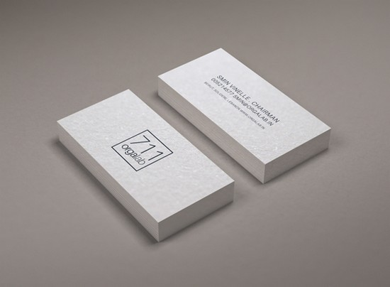 Minimal Business Card Mockup (Smart Object)