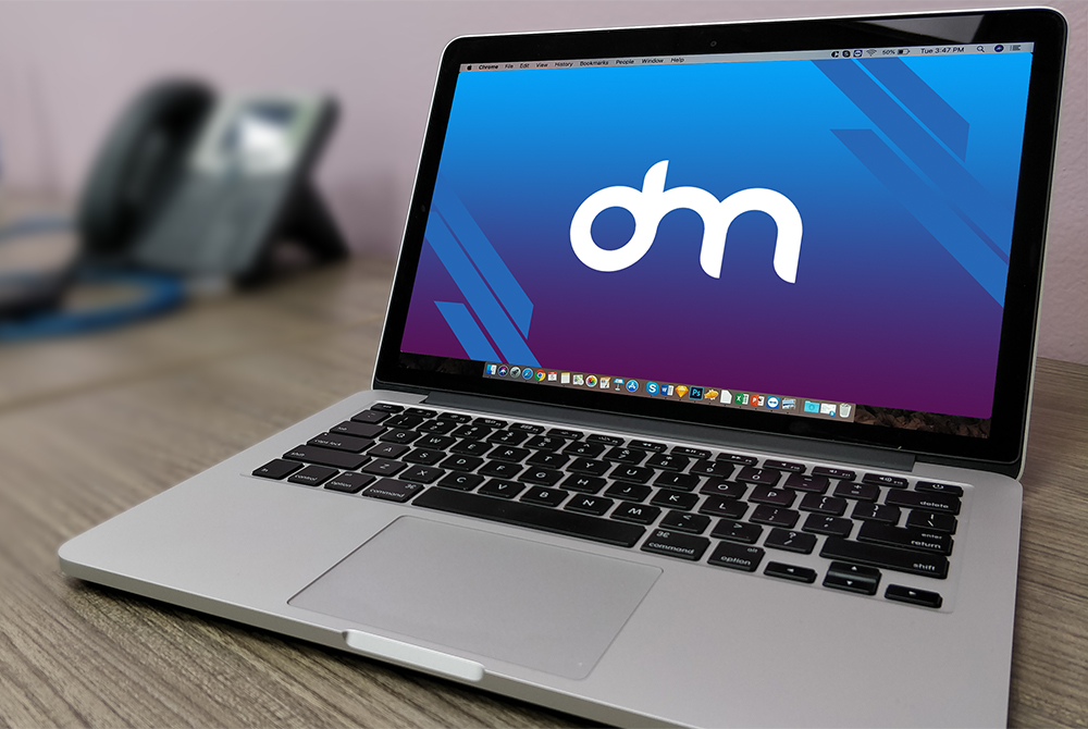 Free Macbook Pro PSD Mockup - Download PSD