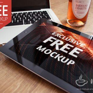 Premium Realistic Black iPad 2 Mockup PSD Freebie