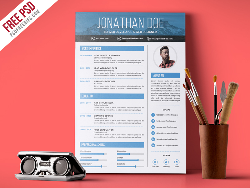 Creative graphic designer resume psd template download for Graphic designer portfolio template free download