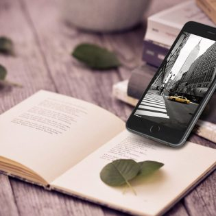 Photorealistic Iphone 6 Plus Mockup Free PSD