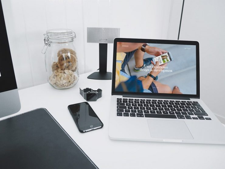 Apple MacBook Pro Perspective Mockup Free PSD